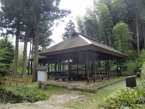 六軒茶屋跡(TT mk2さん撮影, Wikimedia Commonsより)