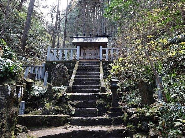 かびれ神宮(Papakuroさん撮影、Wikimedia Commonsより)