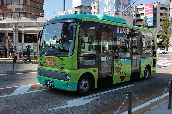 福井市のコミュニティバス「すまいる」西ルート(SONIC BLOOMINGさん撮影、Wikimedia Commonsより)
