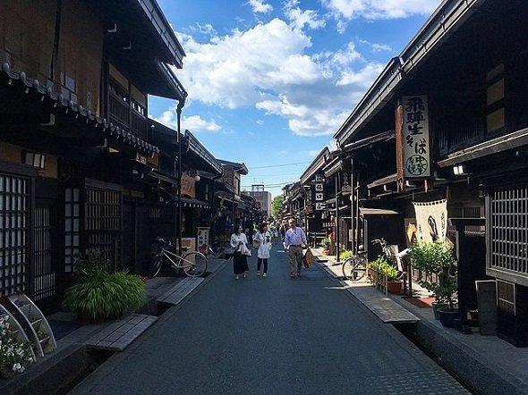 高山市内さんまち通り(Wpcpeyさん撮影、Wikimedia Commonsより)
