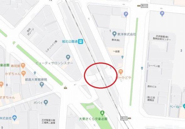 赤丸で囲った位置が写真の場所 (C)Google