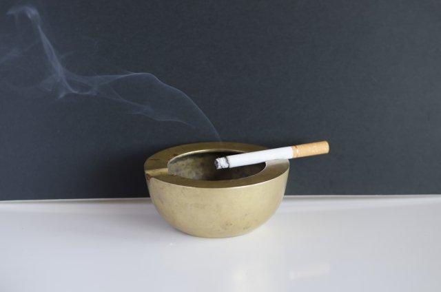 タバコ臭トラブル体験談、編集部に続々と...