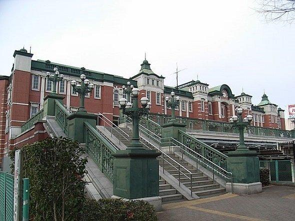 深谷駅(Fillerさん撮影、Wikimedia Commonsより)