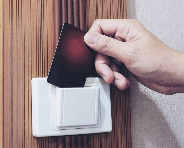 カードキースイッチ (Jcomp - jp.freepik.com によって作成された写真)