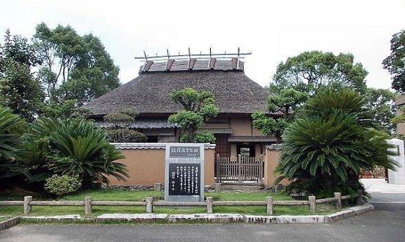 大分県中津市の福沢諭吉旧居(STA3816さん撮影、Wikimedia Commonsより)