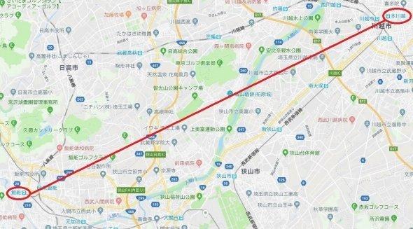 飯能駅と本川越駅を直線で結ぶと... (C)Google