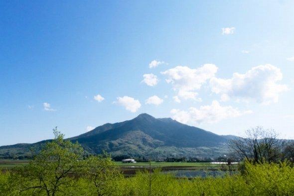 筑波山 (MuddyFoxさんによる写真ACからの写真)
