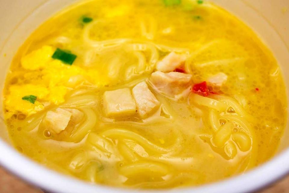スープ一面が黄金色に染まる