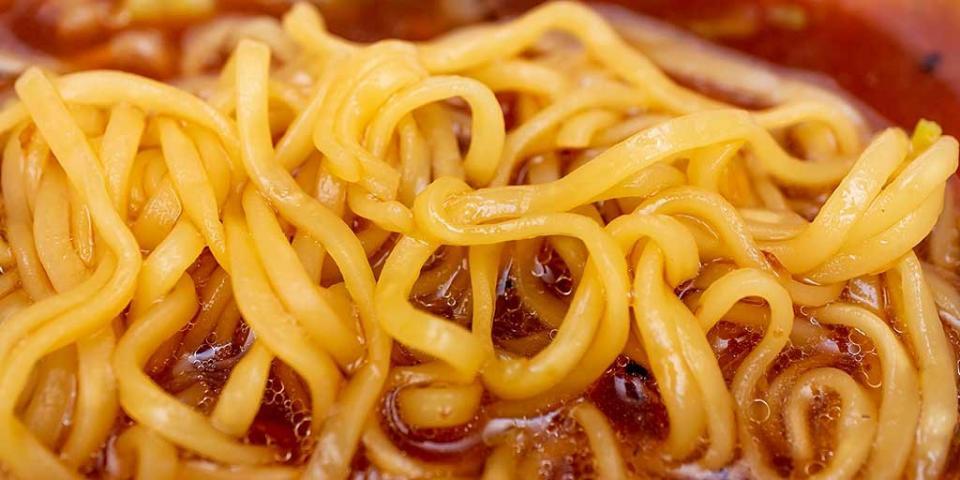 しっとり食感が特徴のノンフライ麺