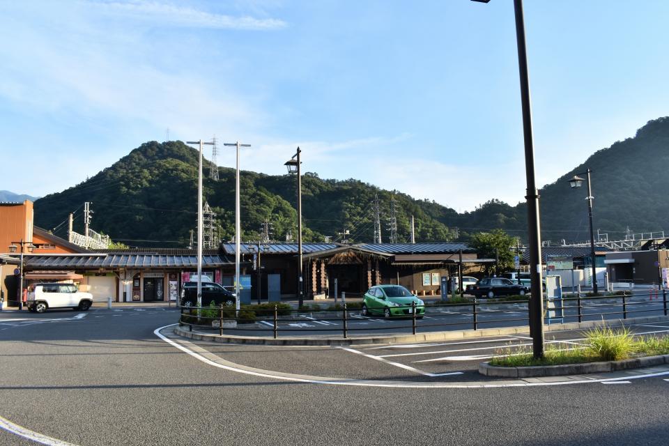 JR大月駅前
