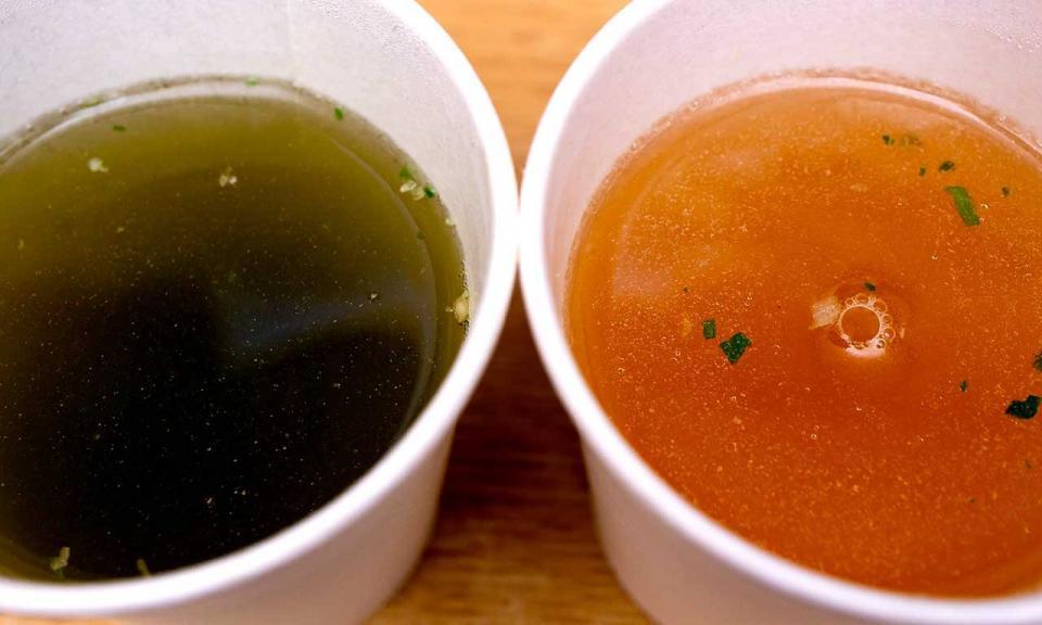 わかめスープと中華スープ
