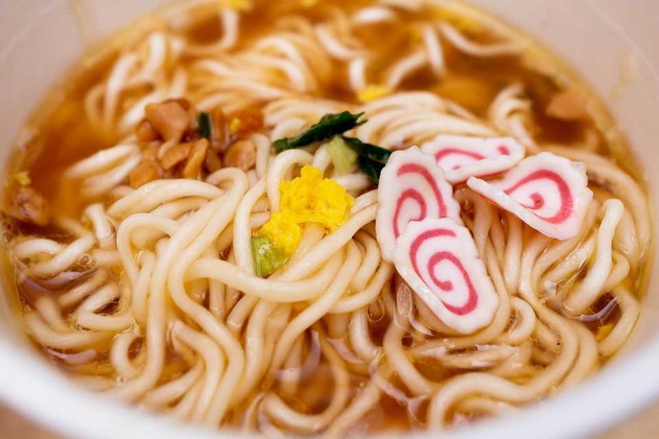 タテ型カップ麺