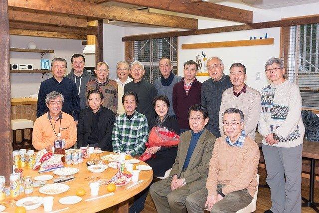 あい・ぽーと麹町で、まちプロさんたちとの研修会を終えて。前列中央が大日向雅美先生