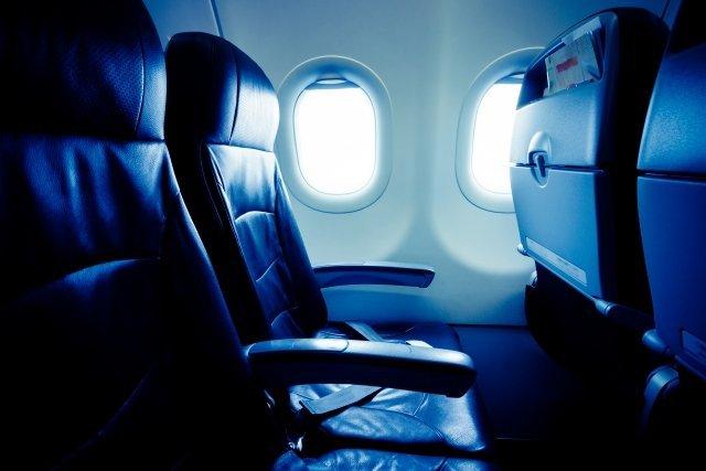乗客が少ないと機体が傾く?(画像はイメージです)