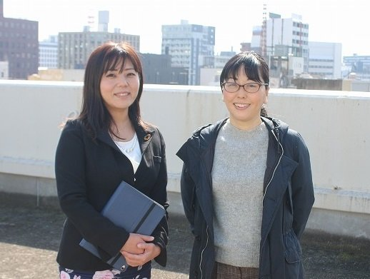 森川さん(左)と松永さん(右)。2人で協力してプロジェクトを進めることも多い