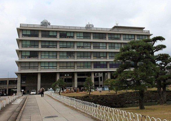 島根県庁(flickrよりhayashiyutakaさん撮影)