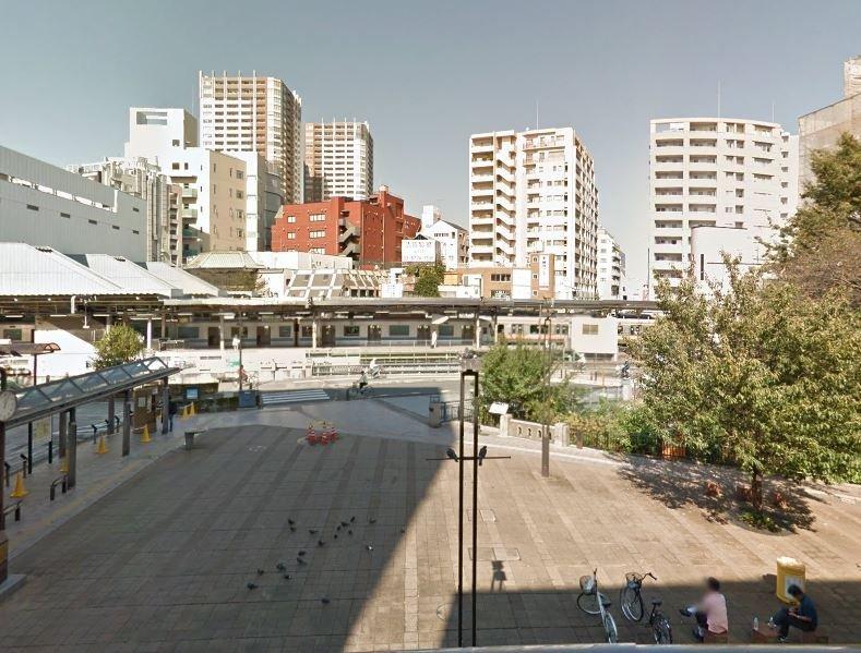 JR三鷹駅前(C)Google