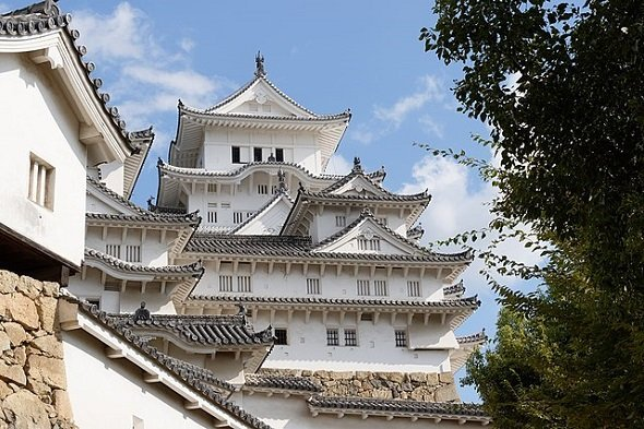 姫路城(Gilles Desjardinsさん撮影、Wikimedia Commonsより)