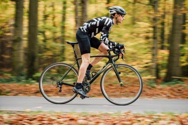 自転車を一生懸命漕ぐこと、何と呼ぶ?