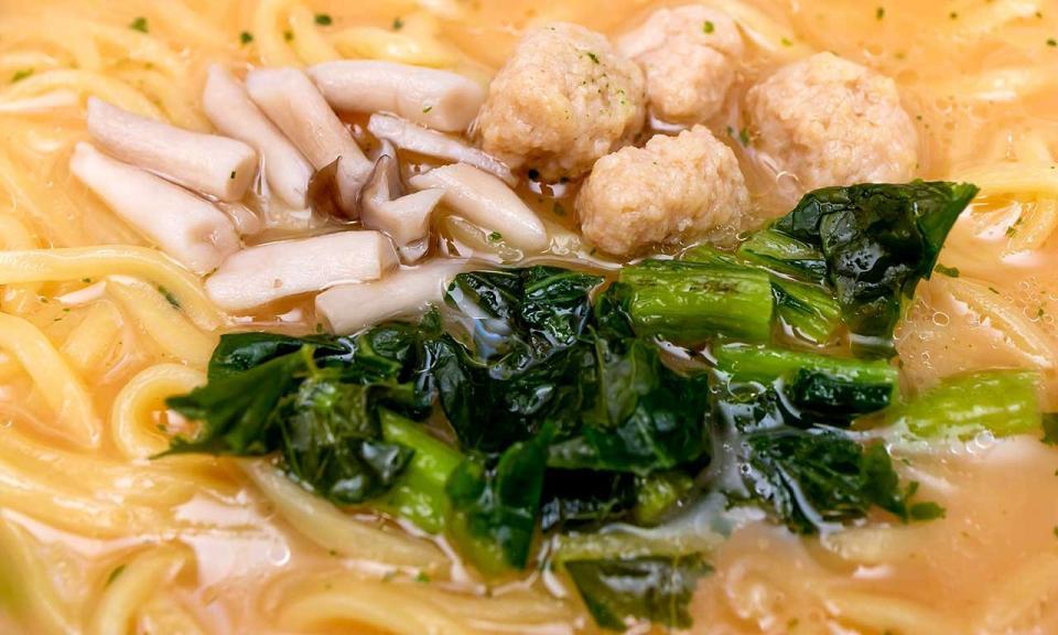 鶏肉団子と、長野県産のぶなしめじ&野沢菜