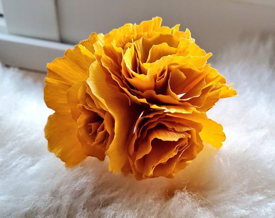 お母さんが最初に作ったバラ(画像はめぐぴ@meg_peeさんより提供)