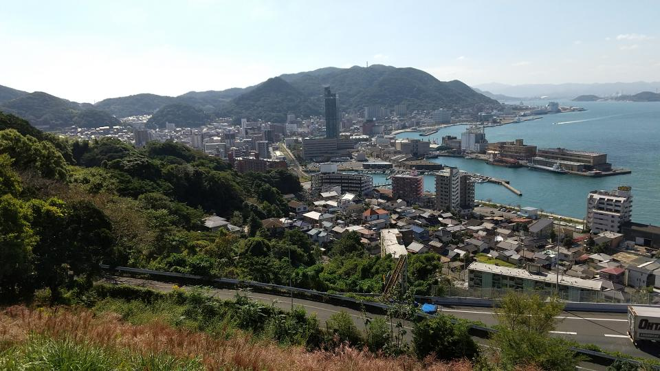 めかり公園第二展望台から見下ろした門司港の美しい街並み