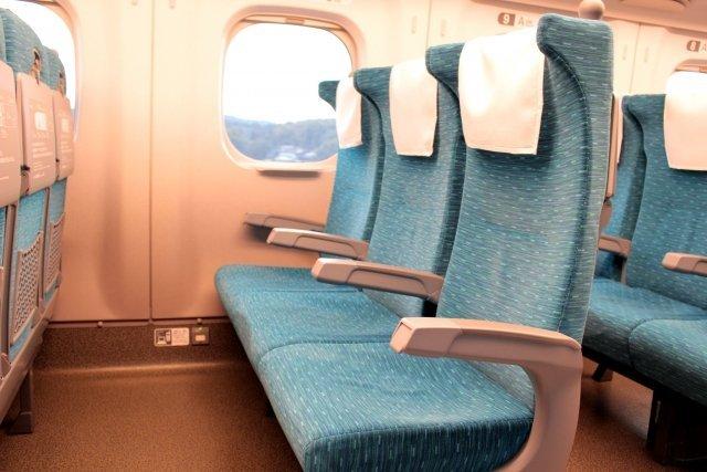 新幹線の車内でモヤモヤ...(画像はイメージ)