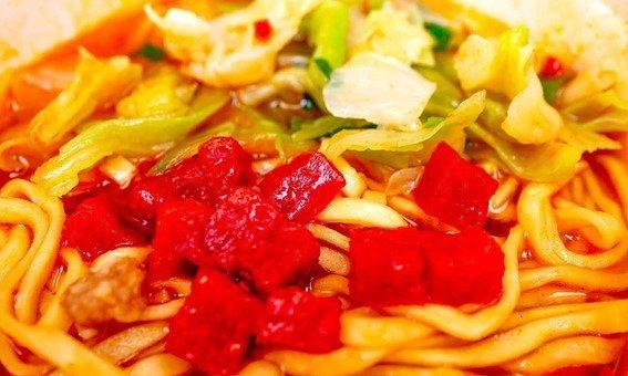 真っ赤なキューブ状のトマトが特徴的